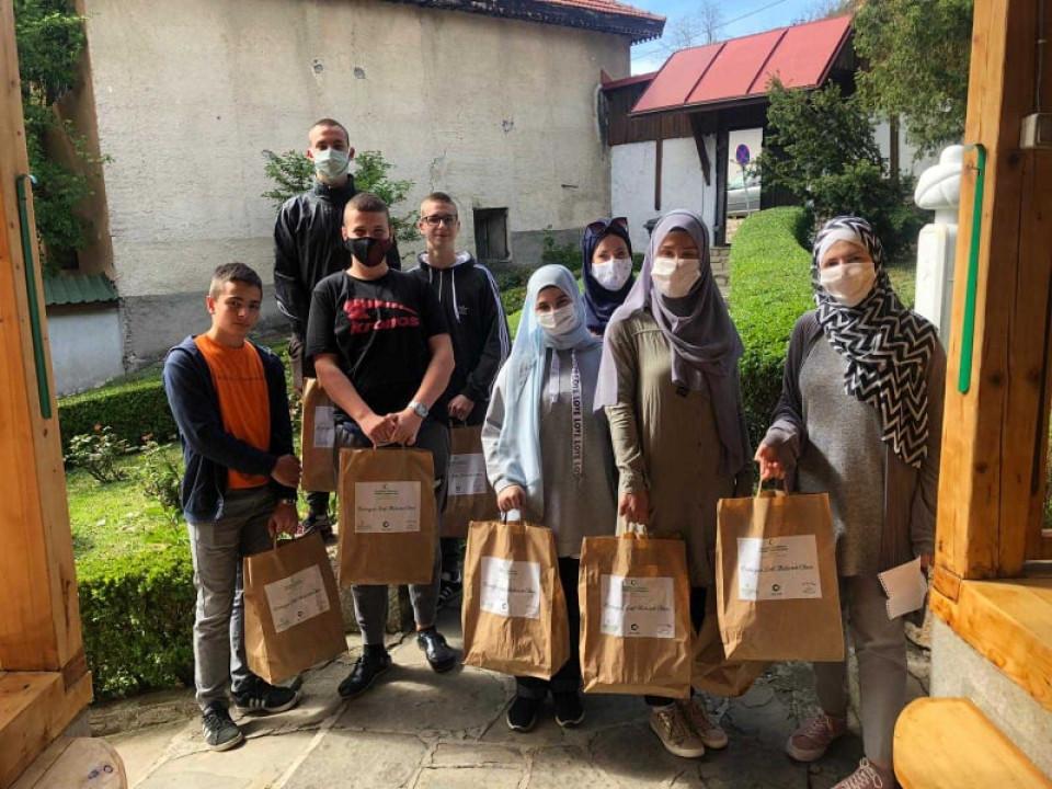 Mladi dijele 4.000 iftara u Sarajevu